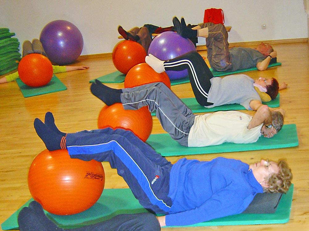 Sport bei Wirbelsäulenerkrankung für Frauen und Männer